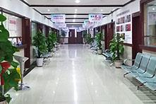 干净明亮的走廊